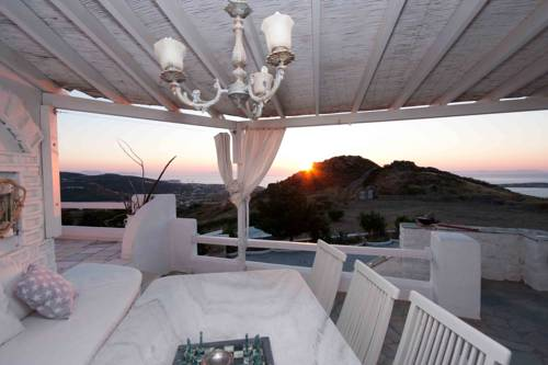 3 Paros *All Season* Villas